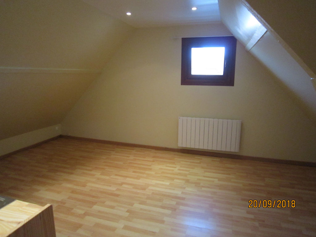 appartement-lassigny-1-piece-s-15-70-m2