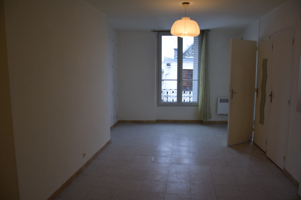 appartement-crepy-en-valois-1-piece-s-29-4-m2
