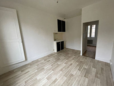 Appartement CREPY EN VALOIS - 1 piece - 19 m2