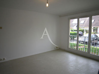 Appartement F2, parking et cave